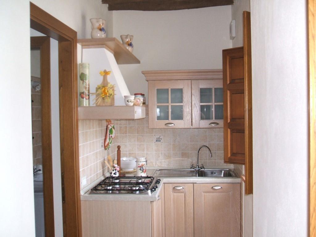 Appartamento papaveri le catastine for Piccoli soggiorni moderni